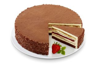 Eb8107364 Tiramisu Strawberry Gateau 4 X 1 900g 16 Portions A Dark Muffin Base Covered With Alternating Layers Of Tiramisu Cream And Sponge Fingers Soaked